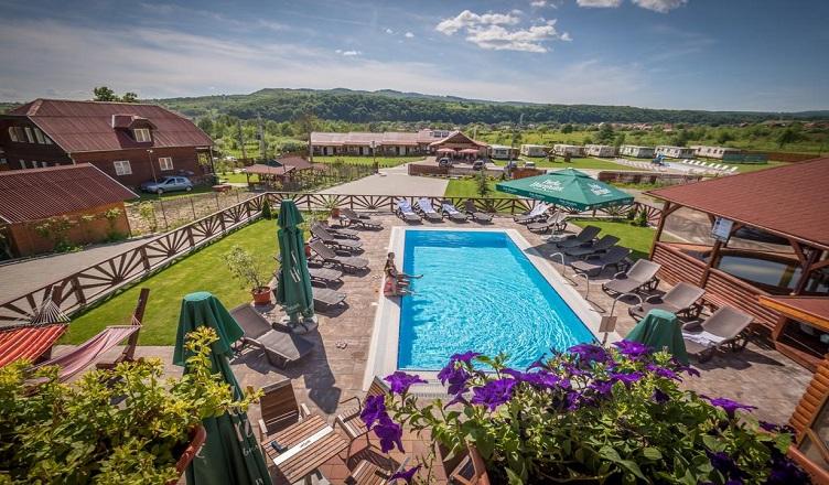 Hoteluri cu piscina Poiana Negri, Bucovina Romania 2021
